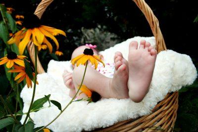 babyphoto-1464967493814-8aaf8fe4d622